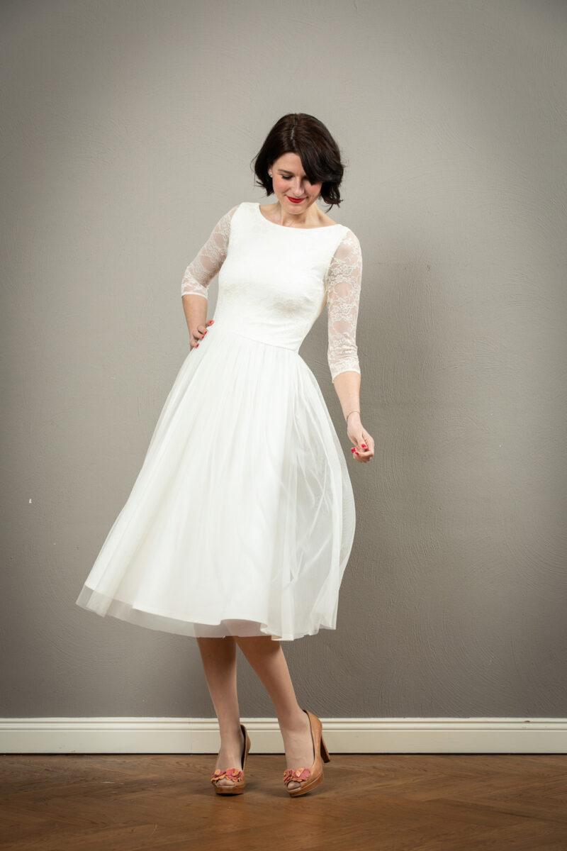 Spitzen Brautkleid Mit Ruckenausschnitt Gianna Jekyll Und Kleid