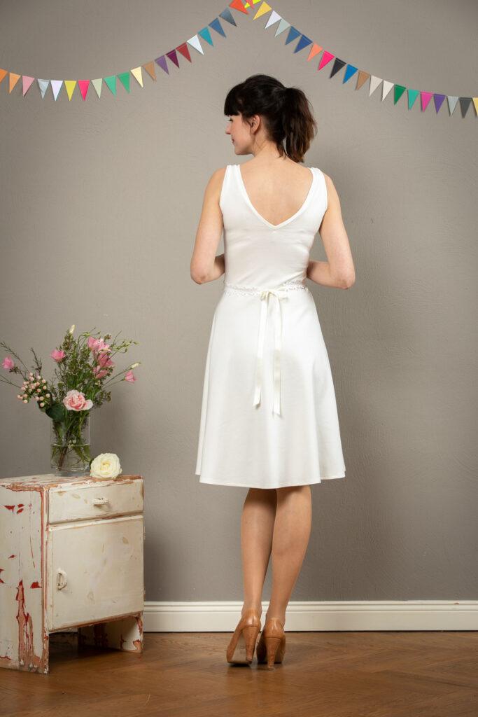 """Schlichtes, kurzes Brautkleid """"Tiffany"""" mit ..."""